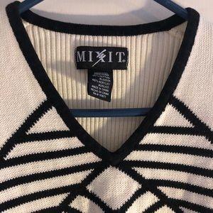 Mixit Medium Cream & Black Sweater